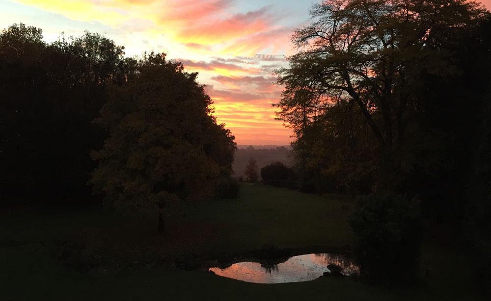 Coucher de soleil à la Roseraie vur sur le bassin